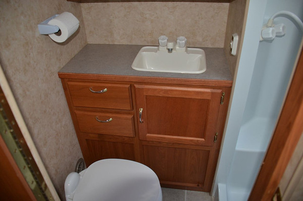 Bathroom Cabinet & Sink